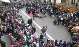 A Cascina mille bambini hanno cantato per la pace