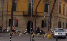 Bancarelle Duomo in Largo Cocco Griffi, ConfcommercioPisa contraria
