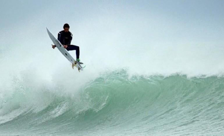 Surfisti in gara a tirrenia per ricordare davide turini - Bagno davide gatteo mare ...