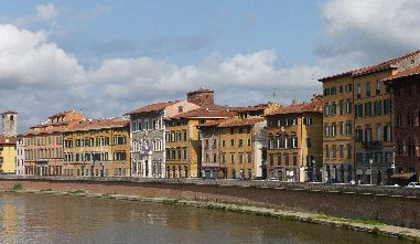 Pisa, continua la Ztl notturna sui lungarni