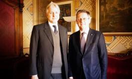Il sindaco Filippeschi incontra l'ambasciatore britannico Christopher Prentice
