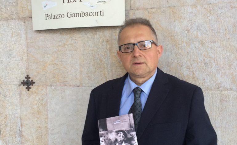 Garzella regala alla Biblioteca Comunale un libro messo al rogo da Hitler