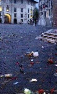 Pisa, pubblicata l'ordinanza antivetro