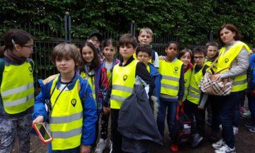 Bambini e bambine delle scuole alla conquista delle strade della città