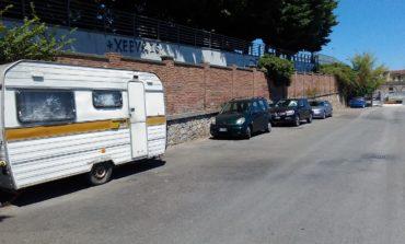Pisa, rimosso l'insediamento abusivo nel parcheggio di via da Morrona
