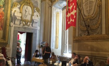 Pisa, Consiglio comunale: inizio tra problemi di audio e proteste
