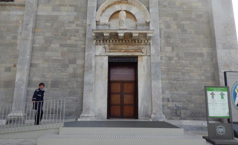 Cattedrale, domenica si chiude la Porta Santa