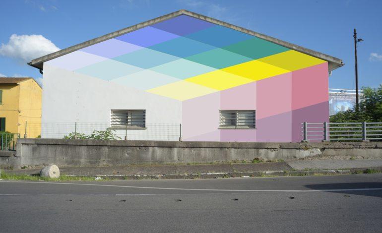 Pisa, l'arte astratta colora Porta a Mare