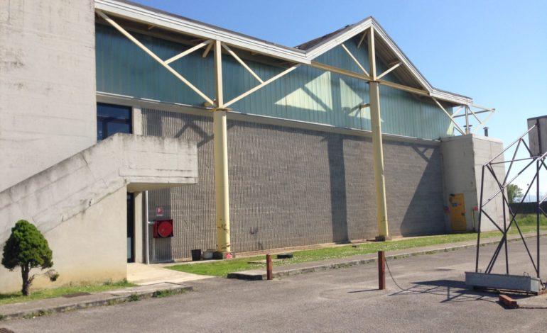 Calcinaia, lavori al tetto del Palazzetto dello Sport