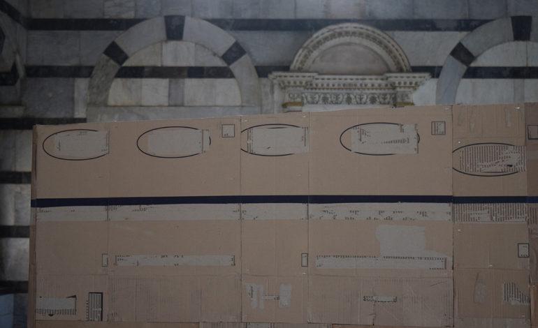 Alla Chiesa di Santa Maria della Spina a Pisa l'installazione dell'artista Flavio Favelli
