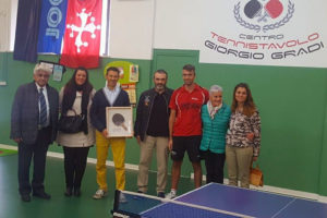 Da sinistra Luciano Del Seppia, Elena Meini, Daniele Menichetti, Alessandro Brucalassi, Denis Gradi, Patrizia Bacci (moglie di Giorgio Gradi), Susanna Ceccardi.