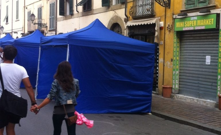 """Pisa, spostato il mercatino da via Oberdan, i commercianti:"""" Era l'ora!"""""""
