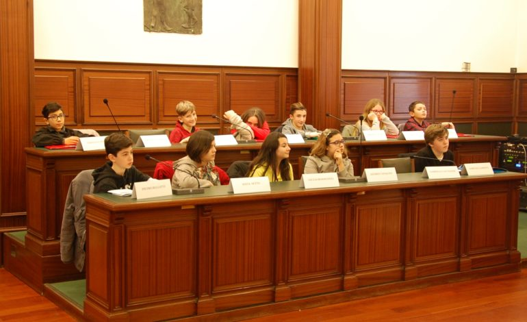Cascina, parte l'attività del nuovo Consiglio comunale per ragazzi
