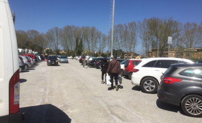 Parcheggio Paparelli senza abusivi grazie alla presenza delle Forze dell'Ordine
