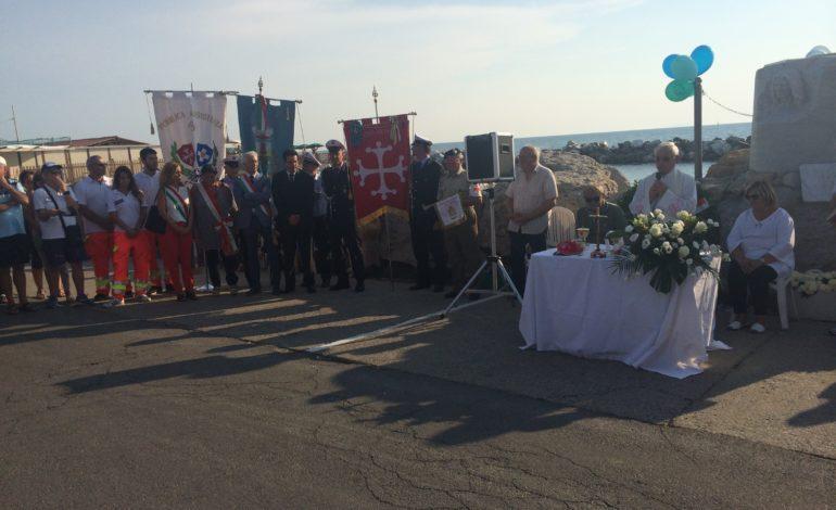 Marina di Pisa, una folla commossa alla Messa in ricordo di Marco Verdigi