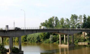 Calcinaia , al via il restringimento del ponte sull'Arno