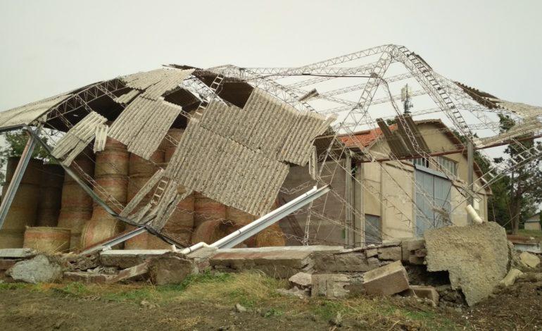 Maltempo: capannoni e stalle crollate tra Pisa e Livorno,