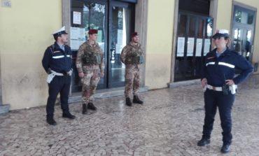 Pisa, nella zona della stazione presidio della Municipale con i militari dell'Esercito