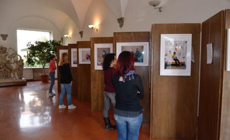 """Pisa, ancora aperta la mostra a Palazzo Vitelli """"Storie illustrate di minori migranti"""""""
