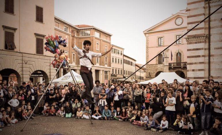 Pisa Buskers Per il Monte Pisano: Raccolta fondi per i luoghi devastati dall'incendio del Monte Serra