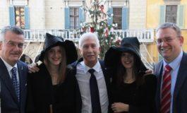 Storo e Pisa, amicizia che si consolida con l'abete in piazza XX settembre