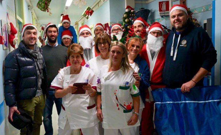 Round Table 73 Pontedera dona regali ai bambini ricoverati in Pediatria all'ospedale Lotti di Pontedera