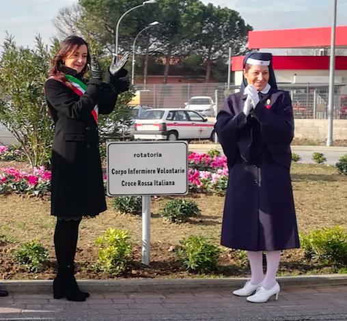 """Pisa, rotatoria intitolata al """"Corpo infermiere volontarie della Croce Rossa Italiana"""""""