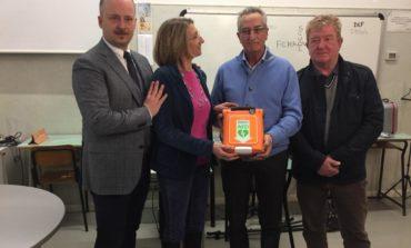 Pisa, Farmacia Comunale dona defibrillatore alle scuole Mazzini