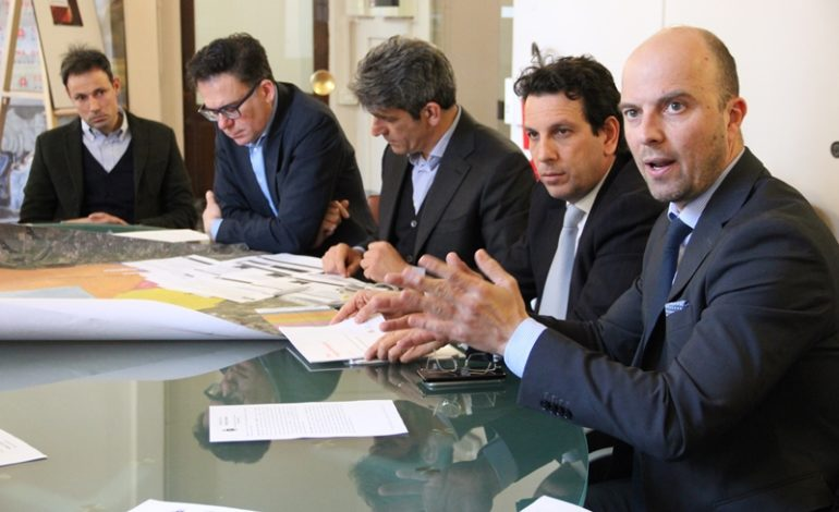 Pisa, manutenzione delle strade e taglio dell'erba, prorogato per un anno il contratto con Avr