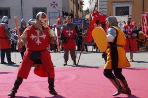 07 Capodanno pisano mazzascudo in piazza Cavalieri