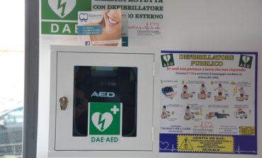 Nuovo defibrillatore alla farmacia comunale di Cascina