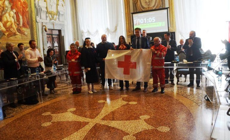 Pisa, issata la bandiera CRI per la Giornata internazionale della Croce Rossa