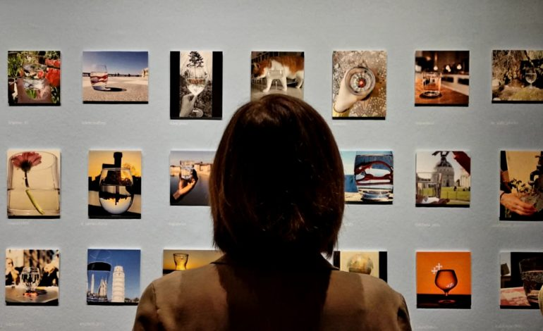 """Inaugurata a Palazzo Blu la mostra """"Il mondo in un bicchiere"""""""