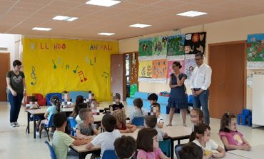 Calcinaia, tra i bambini delle scuole per augurare buone vacanze