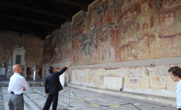 L'attore Alessio Boni in visita al Camposanto Monumentale