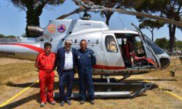 A San Rossore l'elicottero antincendio della Protezione Civile Regionale