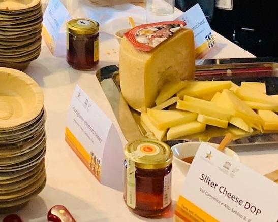 Il miele di spiaggia e i pinoli di San Rossore protagonisti al convegno Unesco a Parigi