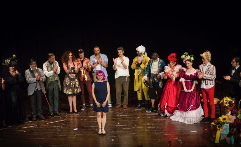 Grande affluenza allo spettacolo del Teatro del Ghigno
