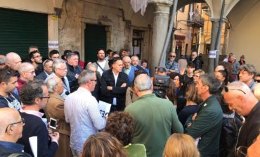 """Protesta in piazza Vettovaglie, il Sindaco Conti: """"Creiamo un tavolo di lavoro per trovare una soluzione comune"""""""