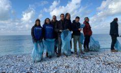 Marina, domenica 26 pulizia delle spiagge di ghiaia con i volontari di Fare Verde