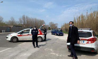 Emergenza Covid-19, il sindaco Conti in strada con la Polizia Municipale