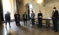 Coronavirus, la comunità senegalese dona al Comune mascherine, guanti e gel igienizzante