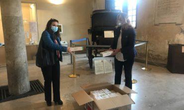 Coronavirus, il Comune di Pisa distribuisce mille mascherine ai cittadini con disabilità insieme ad Anmic