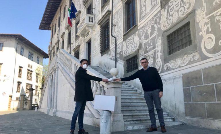 Coronavirus, consegnate duemila mascherine a Sant'Anna, Normale e Dsu