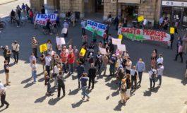 Protesta operatori dell'ippica davanti a Palazzo Gambacorti