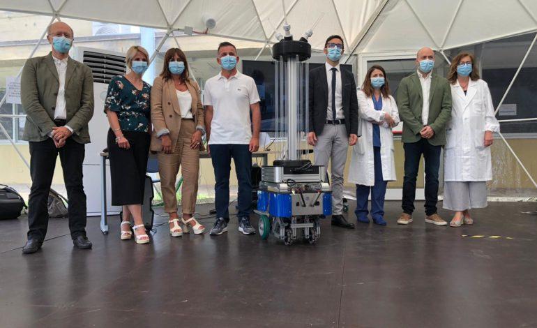 Coronavirus, arriva il primo robot mobile per la disinfezione di spazi e superfici