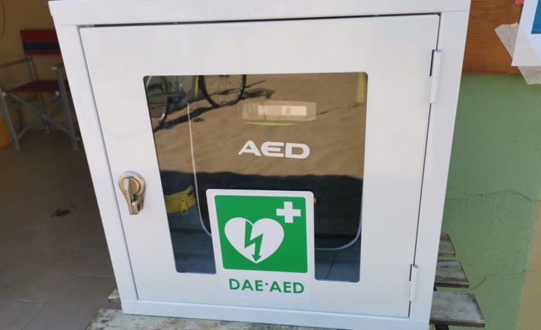 Un defibrillatore al Bagno degli Americani