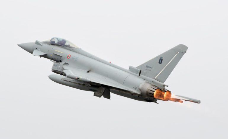 Formula 1, GP Toscana Ferrari 1000: caccia Eurofighter dell'Aeronautica Militare volano sul Mugello
