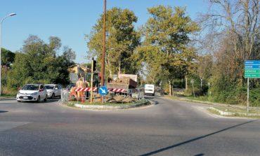 Lavori pubblici, partito il cantiere sull'Aurelia per realizzare la rotatoria all'incrocio con viale delle Cascine
