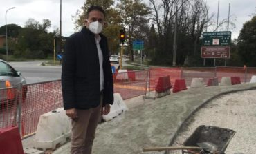 Rotatoria viale delle Cascine, terminato il nuovo marciapiede